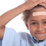 Cosa fare se il bambino batte la testa